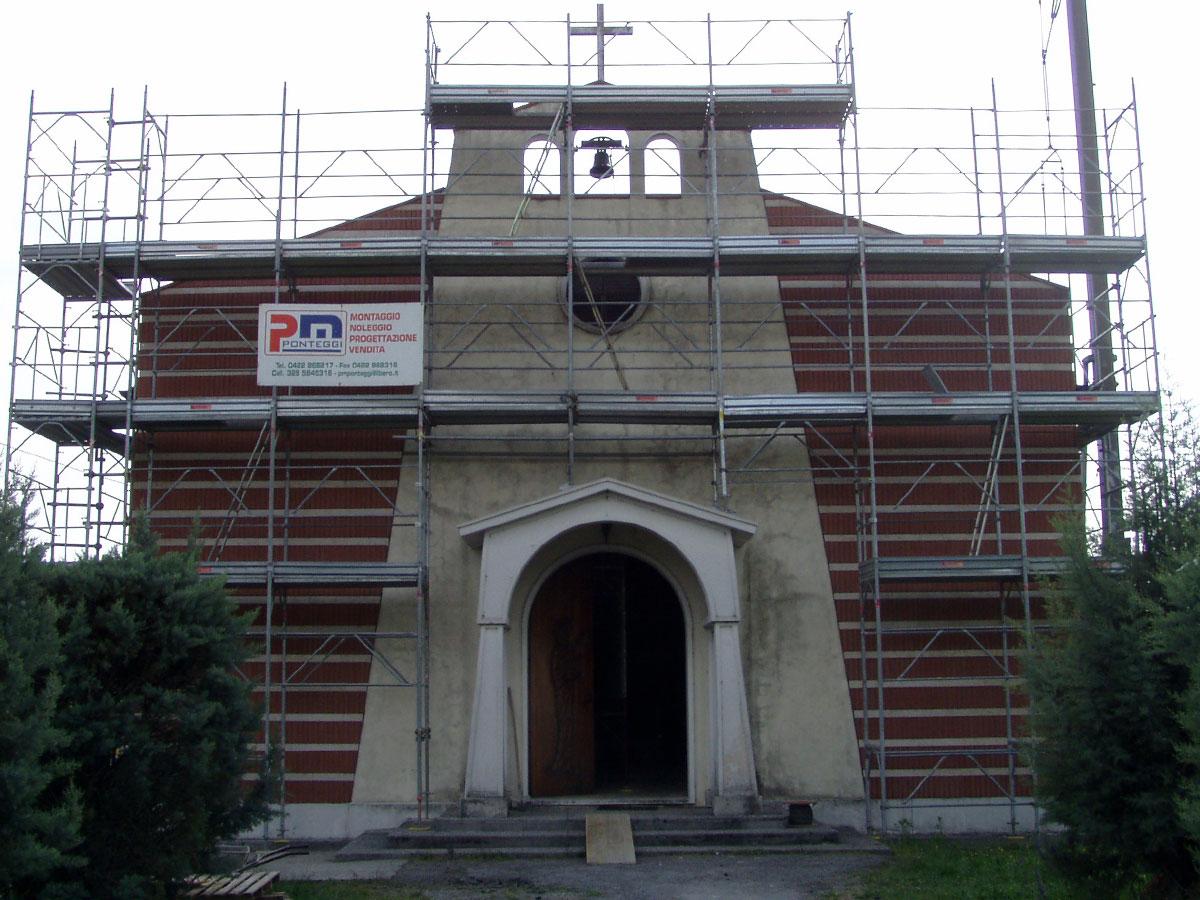 Rimozione eternit su chiesa