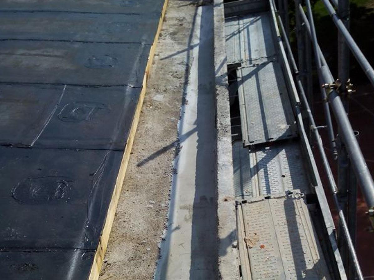 fase di coibentazione tetto civile